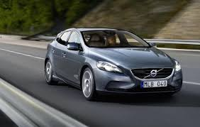 volvo hatchback 2016 2016 volvo v40 facelift to debut at geneva online reveal february