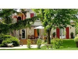 chambre d hotes l isle sur la sorgue propriété avec 3 chambres d hôtes et 2 gîtes à vendre isle sur la