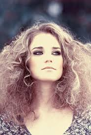 best hairstyles for thin frizzy hair carrie bradshaw curls 8 gorgeous hairstyles for frizz prone hair