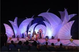 bureau des stages 4 stage decoration large shapes lighting backdrop k l o c church