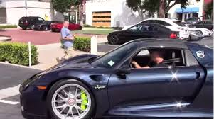 porsche spyder 2017 jerry seinfeld spotted in his porsche 918 spyder video