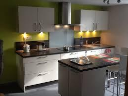 cuisine gris et vert anis dcoration cuisine grise cuisine bleu gris canard ou bleu marine
