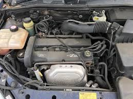ford focus ghia 1989cc petrol 5 speed manual 5 door hatchback x