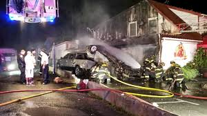 man killed in fiery crash into casa luis restaurant in smithtown