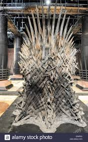 iron throne in the throne room of the great hall king u0027s landing