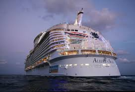 Largest Cruise Ship Behind The Scenes Of The World U0027s Largest Cruise Ship Twistedsifter