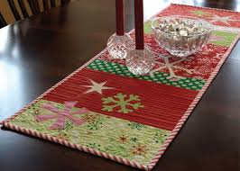 make christmas table runner 6 free homemade gift ideas for art quilters the quilting company