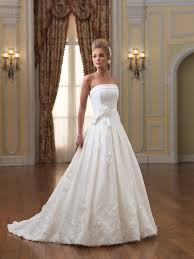 inexpensive wedding dresses budget wedding dresses how much to put aside for the wedding
