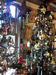 anyone can decorate beautifully decorated christmas trees