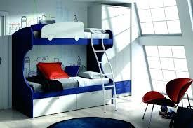 chambre avec lit superposé chambre avec lit mezzanine lit superpose en quinconce chambre avec