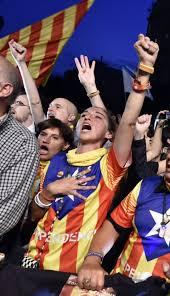 fermeture des bureaux de vote les catalans s engagent sur le chemin de l indépendance libération