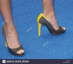 reese witherspoon shoes los angeles premiere monsters aliens