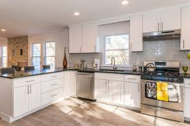 Kitchen Cabinets Made In Usa This Bright Modern Kitchen Was Designed By Cabinets Direct Usa