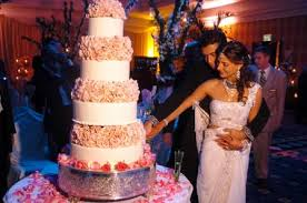 big wedding cakes brides helping brides is anyone a really big wedding cake