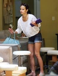 jordana brewster images jordana at the bellacures nail salon in