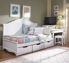 yellow gray bedding set on the white wooden daybed with black list