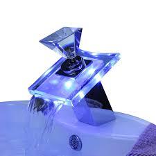wasserhähne badezimmer ouku badarmaturen mit farbwechsel led wasserfall waschbecken