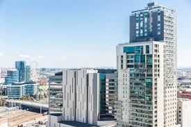 2 Bedroom Apartments Melbourne Accommodation Book Level 21 Stylish 2 Bedroom Apartment In Melbourne Hotels Com