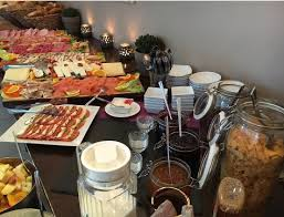 buffet catering services u2013 the benefits of both buffet and a la