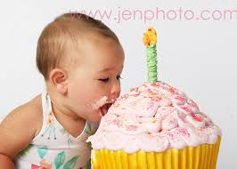 first birthday pic idea how to make a cupcake that big party