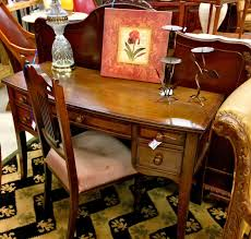 how to sell furniture and home decor items on consignment