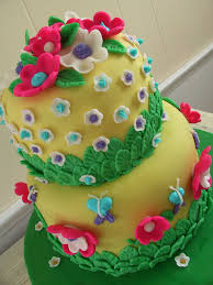 flower fondant cake the twisted sifter