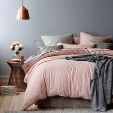 chambre coconing idée déco chambre cocooning linge de lit en gris et lit gris