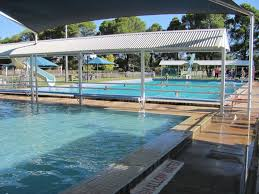 henty swimming pool