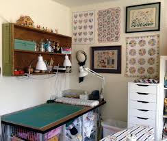 quilt sewing rooms best 25 quilting room ideas on pinterest sewing