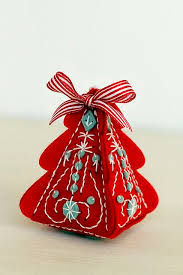 best 25 christmas felt crafts ideas on pinterest felt christmas
