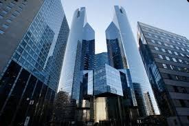 société générale siège la défense tensions autour des plans de départ dans les banques