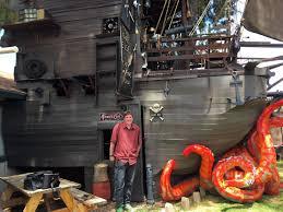 Arizona travel pirates images Three story backyard pirate ship is arizona man 39 s tribute to movie jpg