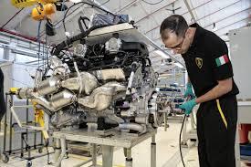 lamborghini v12 engine what it u0027s like to build a lamborghini v12 by hand