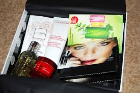 glossybox harrods edition march 2012 lux life a luxury the box included clarins extra firming body cream molton brown bath shower gel sk ii skin signature valentina by valentino sample perfume