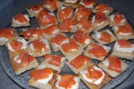 canapé saumon canapés au saumon fumé recette recette et déco de véro
