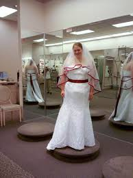 Wedding Dresses For Larger Brides The Ultimate Guide To Plus Size Wedding Dress Shopping Weddbook