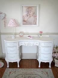 Shabby Chic Vintage Furniture by Best 25 Chic Antique Ideas Only On Pinterest Décor Antique