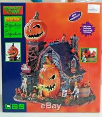 lemax spooky town lemax spooky town the mad pumpkin patch brand new 2017 in box