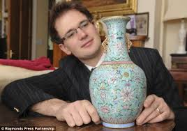 Large Chinese Vases Couple Stunned As Vase That Sat On Their Mantelpiece Sells For