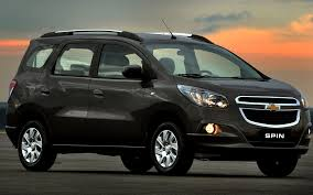 mpv car chevrolet spin india launch price review specification