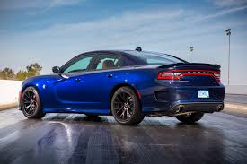 dodge charger 6 4 fca to boost production of 2016 dodge charger challenger srt hellcat