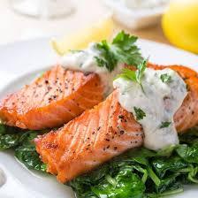 cuisine papillote papillote de saumon au boursin sur galets d épinards cuisine az