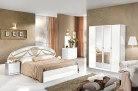 chambre a coucher blanc agréable chambre a coucher romantique 3 miroir athena chambre a