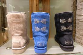 amazon com ugg s black with bows and diamonds bailey bow mint boots crystallized