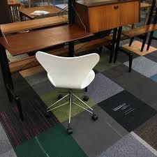 Chaise Serie 7 Chaise à Pivot Butterfly Série 7 Par Arne Jacobsen Pour Fritz
