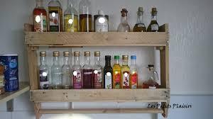 cuisine en palette etagère de cuisine en bois de palette les petits plaisirs de