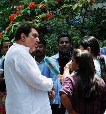 Aamir Khan Home Photos Aamir Khan Friends And Family Mourn The Death Of Jiah