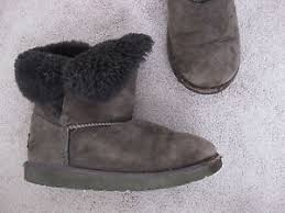 s ugg ankle boots s ugg 5991 black suede ankle boots youth size 3 ebay