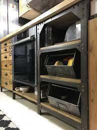 cuisine en metal cuisine metal riveté 6 tiroirs 7 portes chêne 1 porte acier 4