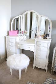 Girls Vanity Table And Stool Best 25 Girls Vanity Table Ideas On Pinterest Makeup Vanities